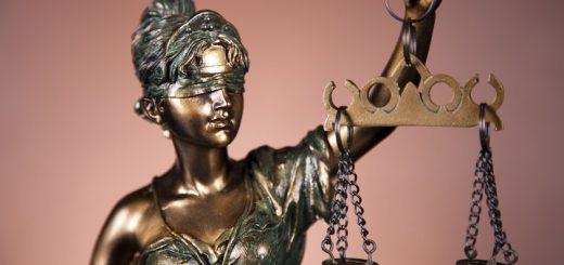 legal-job-statue