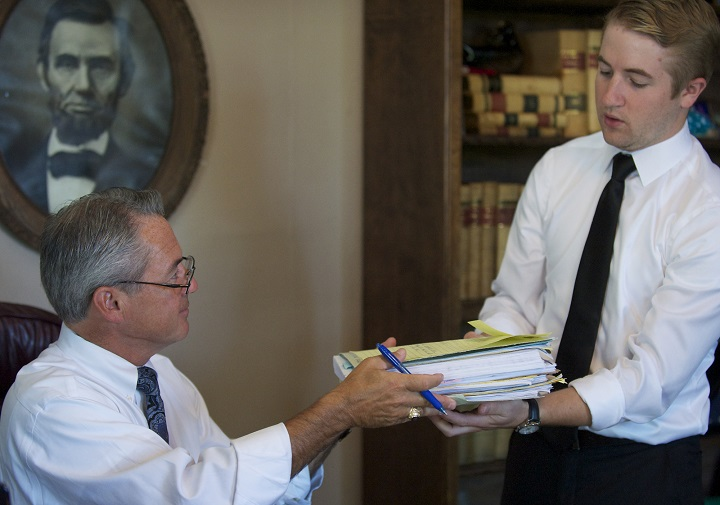 legal-jobs-law-clerk