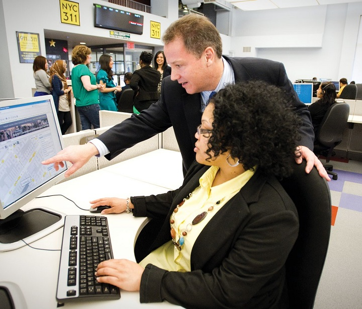 training-taking-place-in-a-call-centre