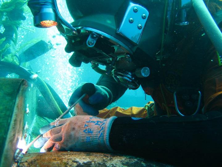 underwater-welder