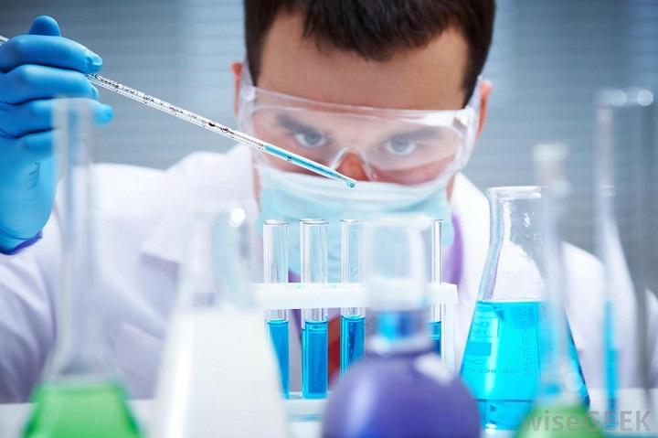 analytical-chemist
