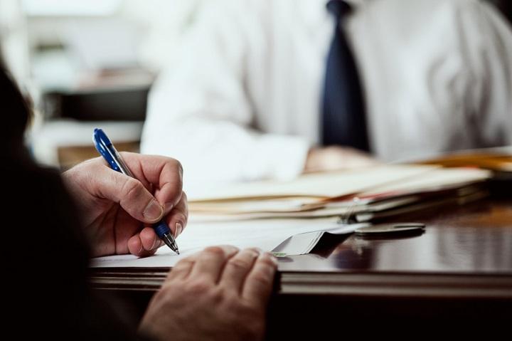 legal-advisor-jobs