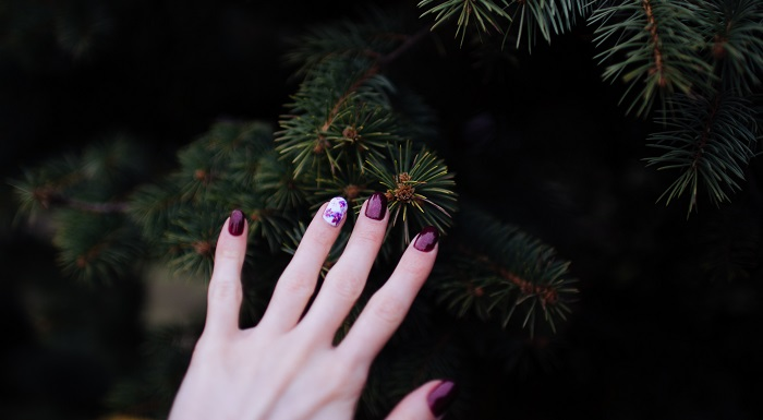 creatively painted nails