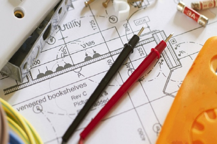What you need to know about being an electrician