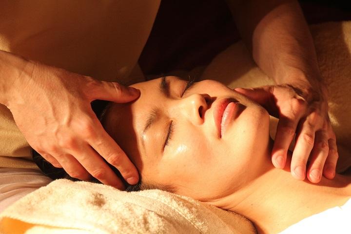 beauty therapist jobs skin treat face
