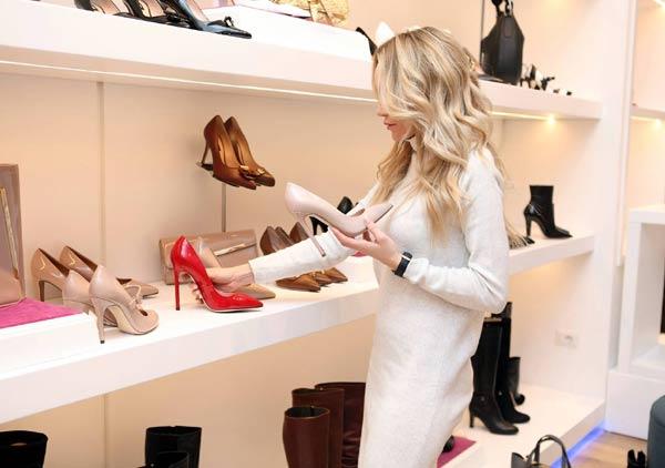 retail manasgement job