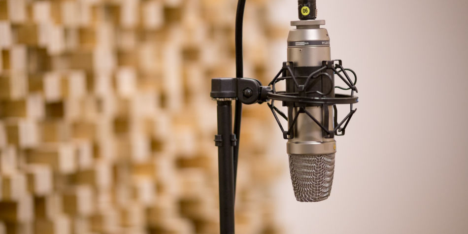 Becoming A Voiceover Artist   Job Mail